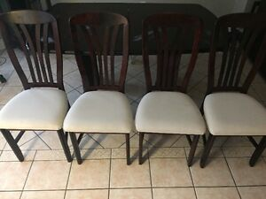 Beautiful! Solid Wood Dining Table Set Includes 4 Chairs