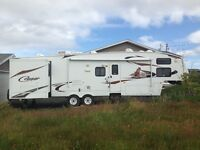 Cougar Fifth Wheel     36.5'      Excellent condition