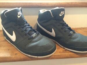 Nike Air Size 12 Men