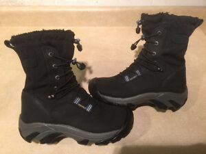 Women's Keen Dry Hiking Boots Size 6.5 London Ontario image 1