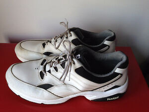 Size 15 (medium width) golf shoes - replaceable cleats