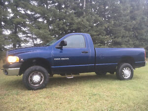 2003 Dodge 5.9L DIESEL 4X4 LOW KM WORK RAM 2500