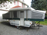 Tente-roulotte Fleetwood Yuma 2005 de Coleman