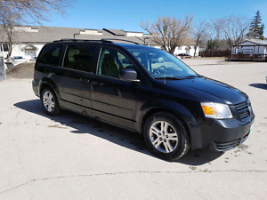 SAFTIED 2010 DODGE GRAND CARAVAN
