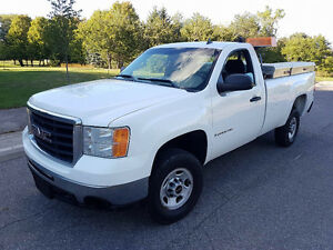 2009 GMC Sierra 2500 HD Pickup Truck