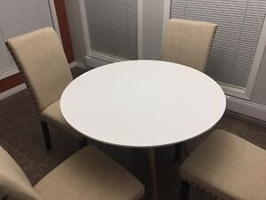 MINT Dinning Table Set