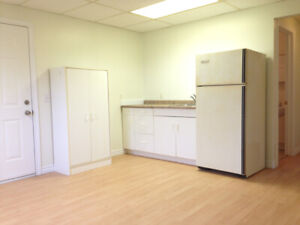 Available NOW! - Bachelor Apartment for Rent $675 Inclusive