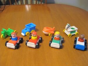 VINTAGE FISHER PRICE LITTLE PEOPLE CARS FOR THE GARAGE LOT #2