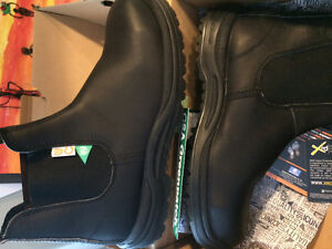 Blundstone Steel Toe - brand new in box!