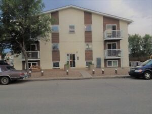 LARGE 2 BEDROOM Suite Avail NOW!  Main Floor