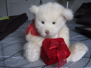 """Gfit Wrap with Gund Bear holding  3"""" Square Gift Box"""