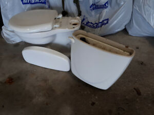 FREE!  American Standard Toilet - with Soft Close Lid Seat