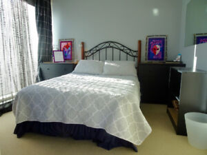 NEW Furnished downtown bedroom near Stanley Park