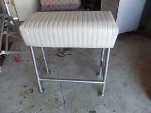 boat leaning post bench seat, great used cond, light aluminum