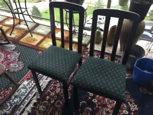 kitchen chairs,good condition,black/green seats