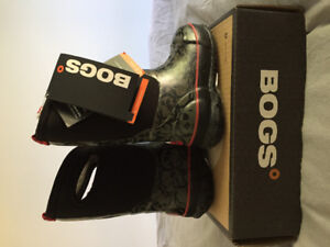 Bogs winter boots toddler girl size 8 new with tags