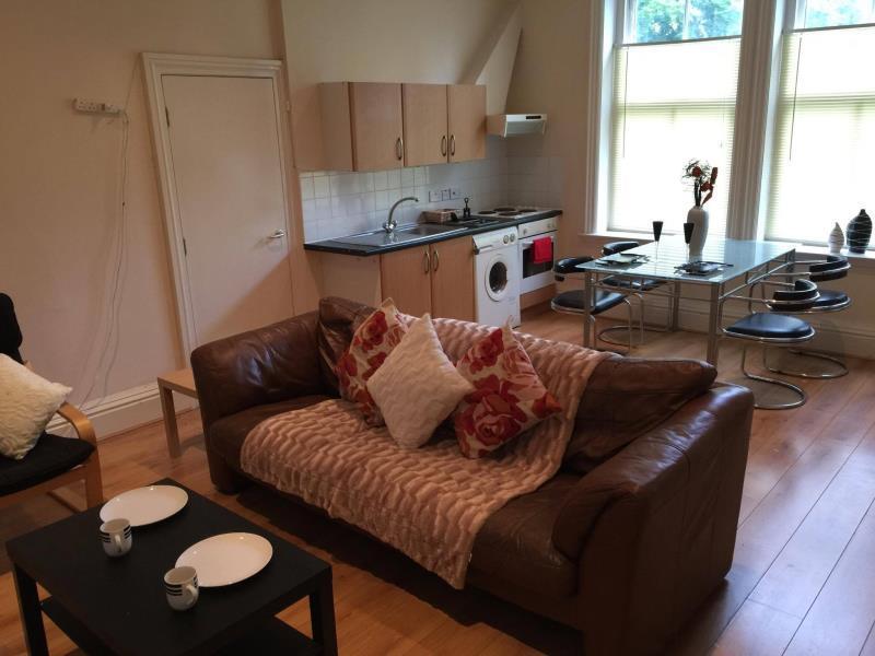 2 bedroom flat in 10 Ridgeway House