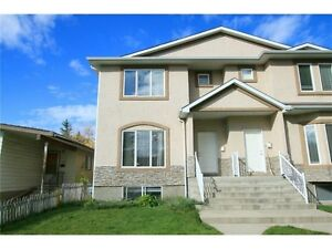 3 Bdrm/2.5 Bath Half Duplex in Highland Park for Rent