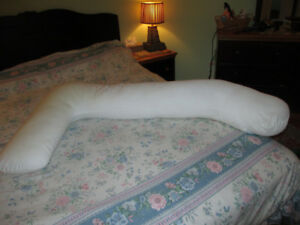 Pregnancy and nursing pillow
