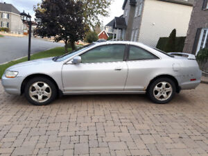 Honda accord 1999 V6 (coupé sport)