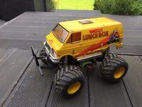 Tamiya Lunchbox RC car + extra batteries