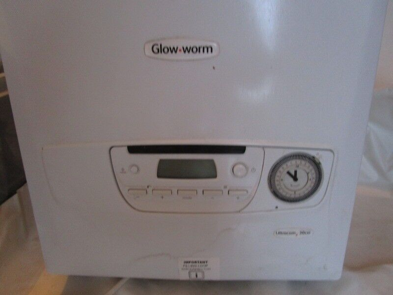 Lightly used Glow Worm gas Combi boiler 30 CXI | in Lostwithiel ...