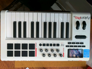 M Audio Axiom Pro 25 Midi Keyboard Synth Controller Drum Pads US