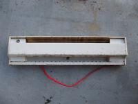 Plinthe chauffante Stelpro 500w avec thermostat intégré.Fonctio