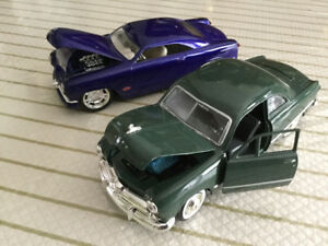 FOR SALE:  PAIR OF 1949 FORDS - 1:24 scale- DIECAST CARS