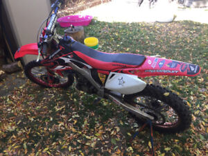 2007 CRF 250 RED 3200$