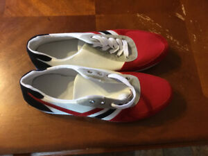 ***New Size 9 Mens Shoes ***