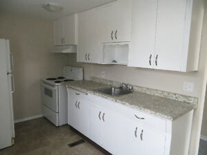 December 1st, 2 bed, laundry, central, pet friendly