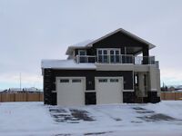 Modern Home & Excellent Location!
