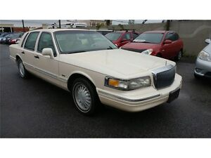 "1995 LICOLN TOWN CAR ""SIGNATURE SERIES""certified & etested $1995"