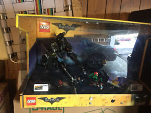 2 LEGO DISPLAYS !! PERFECT EASTER GIFT IDEA !!