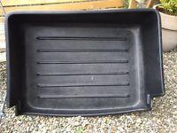 VW Touareg boot liner and dog rack