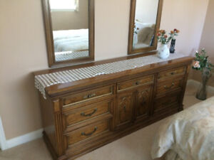 Thomasville bedroom dresser (mirrors not included)
