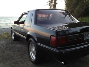 1988 Ford Mustang black Coupe (2 door)
