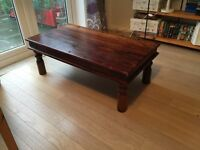 Lovely coffee table for sale!