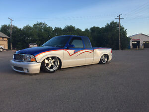 Bagged S-10 Show Truck, Air Ride