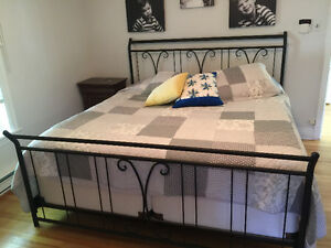"Très grand lit (78"")"