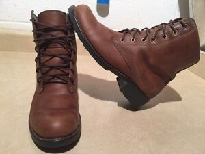 Women's Clarks Leather Boots Size 9 London Ontario image 1