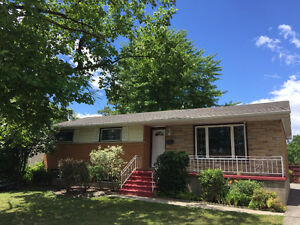 GREAT NORTHEND BUNGALOW FOR SALE