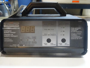 MotoMaster Eliminator 12/8/2A Battery Charger, new condition