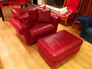 Rare : fauteuil cuir rouge 1,5 place + ottoman