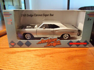 1:24 SCALE DIE-CAST 1969 DODGE CORONET SUPER BEE SIX PACK SILVER