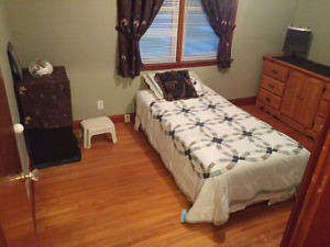 Room for rent - shared accommodations  - short term
