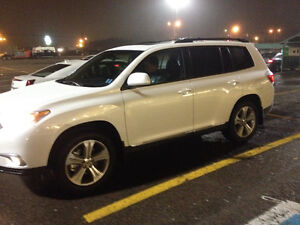 2013 Toyota Highlander Sport with Leather