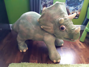 Playskool Kota mon Triceratops Dinosaure