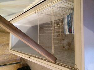Perfect freezer for basement or garage Peterborough Peterborough Area image 2